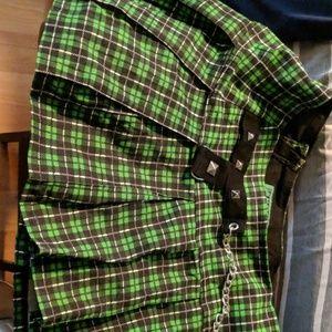 Tripp green pleated skirt